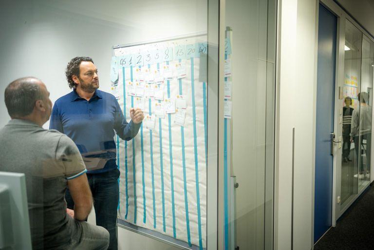 Wir-leben-die-agile-Arbeitsweise-nicht-nur-in-der-IT-sondern-tragen-diese-auch-in-andere-Unternehmensbereiche