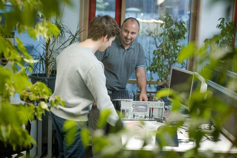 Als Fachinformatiker Fachrichtung Systemintegration liegt Dein Schwerpunkt auf dem User-Support.