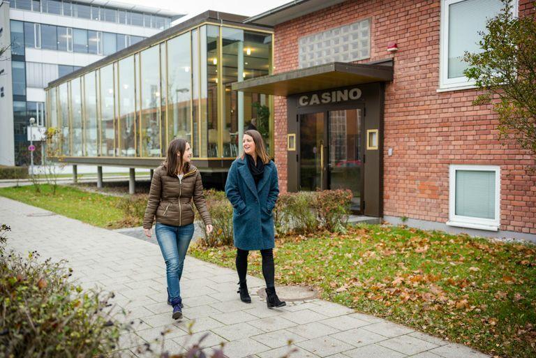 Campus von HSE mit Kasino